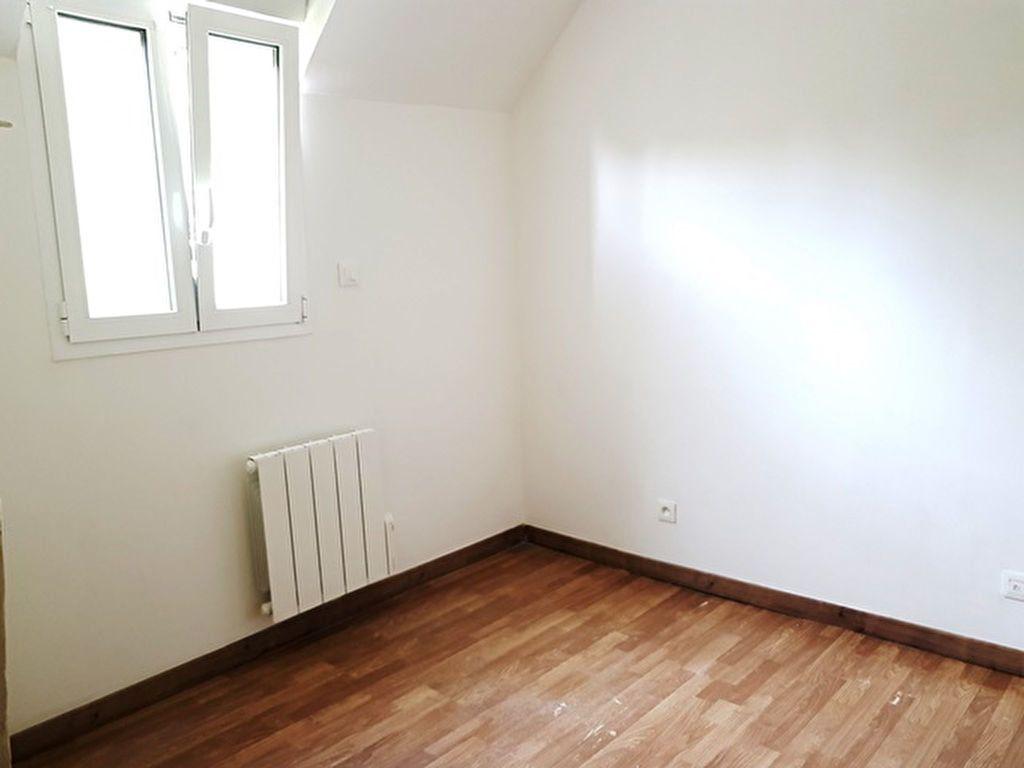Appartement à louer 3 46.15m2 à Toury vignette-2