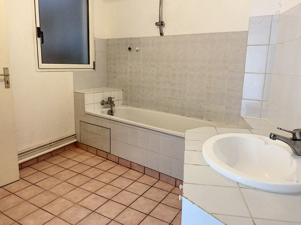 Appartement à louer 2 51.28m2 à Toury vignette-5