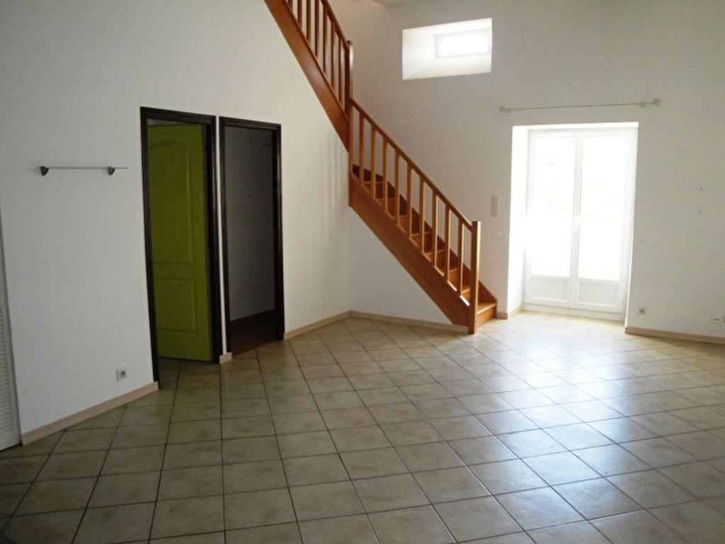 Maison à louer 4 82m2 à Allaines-Mervilliers vignette-1