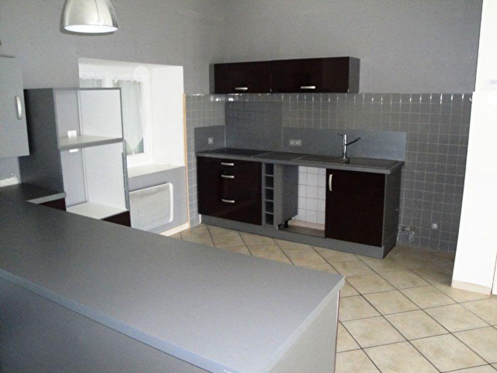 Maison à louer 4 82m2 à Allaines-Mervilliers vignette-2