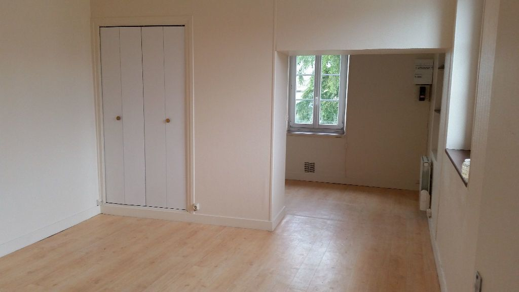 Appartement à louer 1 26.05m2 à Artenay vignette-2