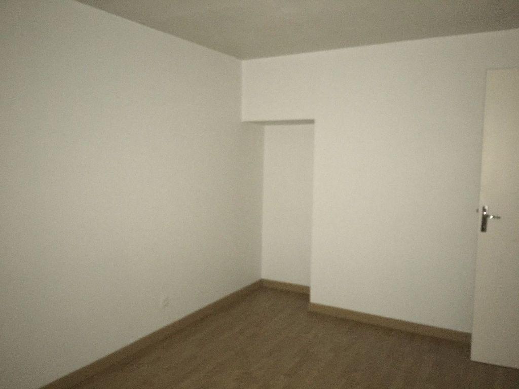 Appartement à louer 3 65.53m2 à Chevilly vignette-7