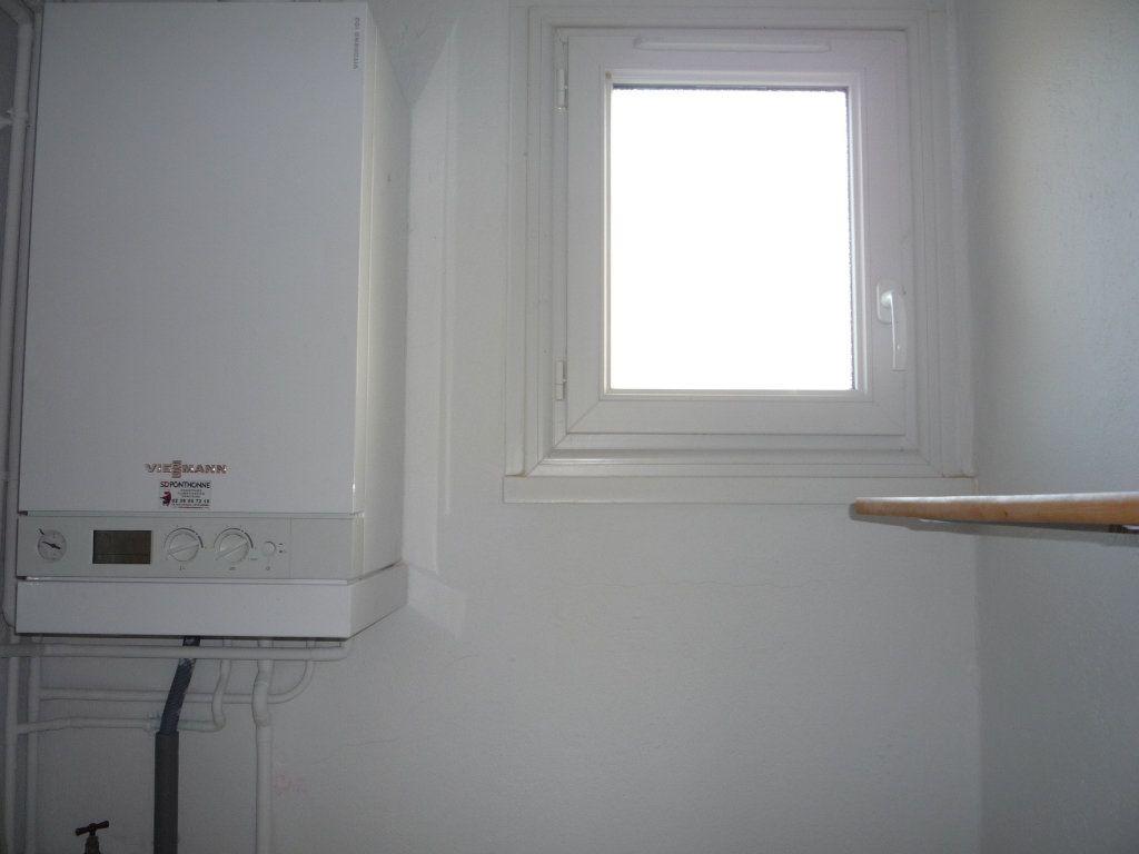 Maison à louer 2 42m2 à Saint-Denis-de-l'Hôtel vignette-7