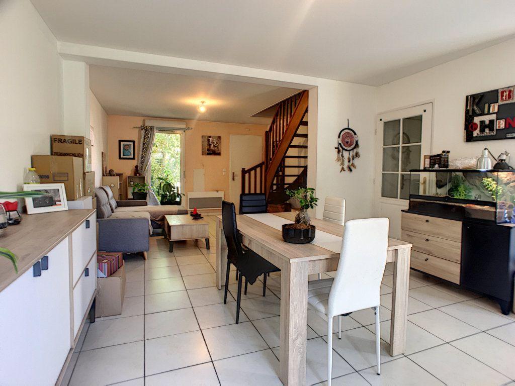 Maison à vendre 5 98m2 à Saint-Denis-de-l'Hôtel vignette-3