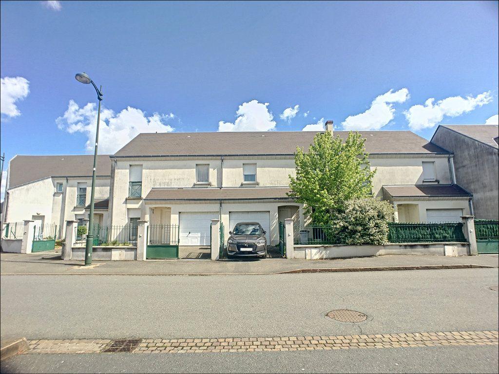 Maison à vendre 5 98m2 à Saint-Denis-de-l'Hôtel vignette-8