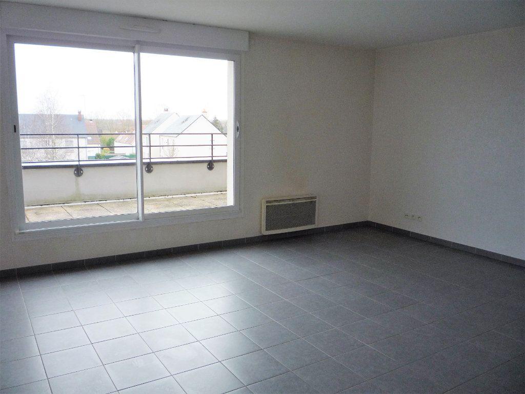 Appartement à louer 2 58.4m2 à Semoy vignette-1