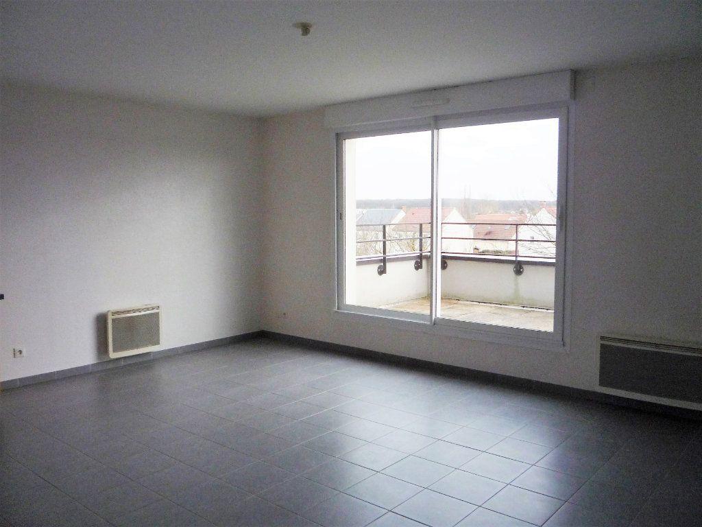 Appartement à louer 2 58.4m2 à Semoy vignette-4