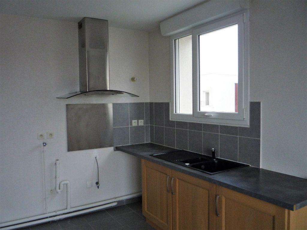 Appartement à louer 2 58.4m2 à Semoy vignette-5