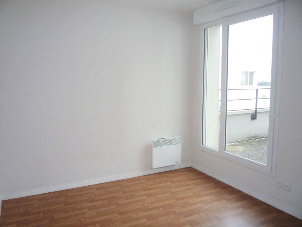 Appartement à louer 2 58.4m2 à Semoy vignette-6