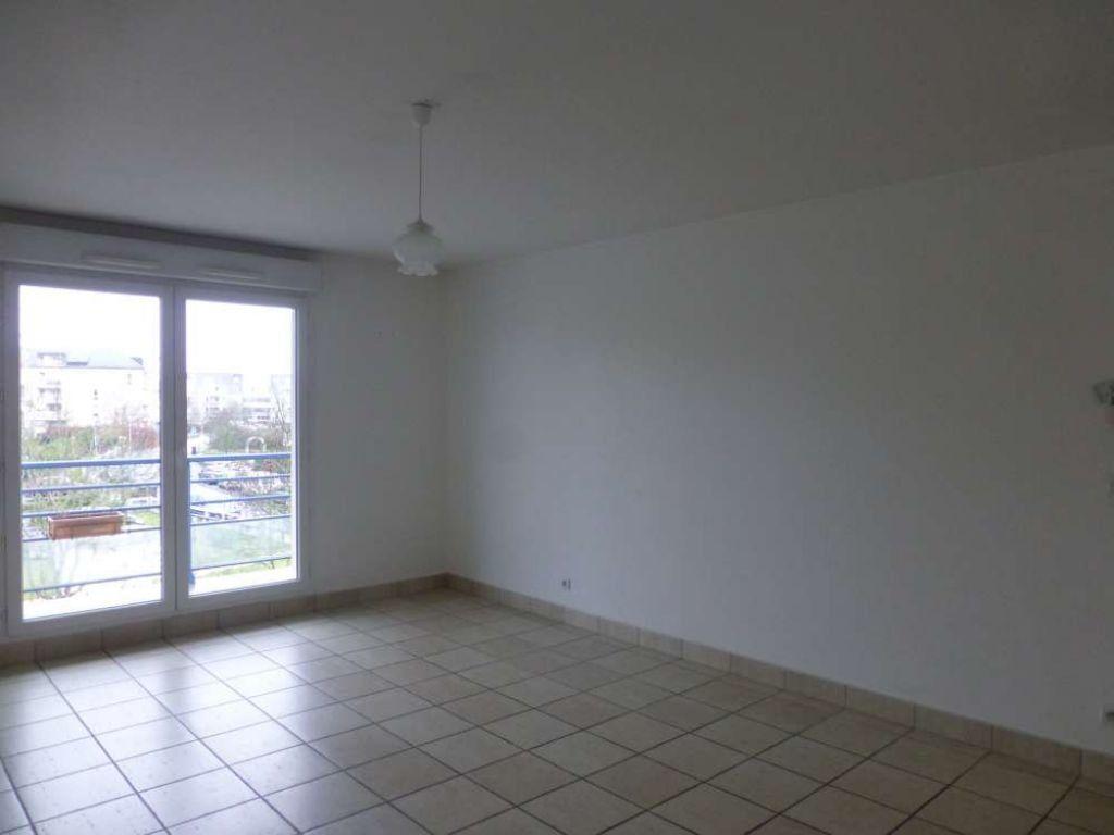 Appartement à louer 2 51.5m2 à Saint-Jean-de-Braye vignette-2