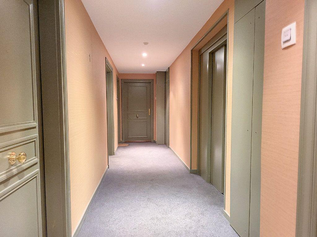 Appartement à louer 2 49m2 à Montargis vignette-9