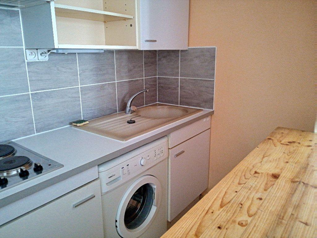 Appartement à louer 1 23.66m2 à Montargis vignette-3