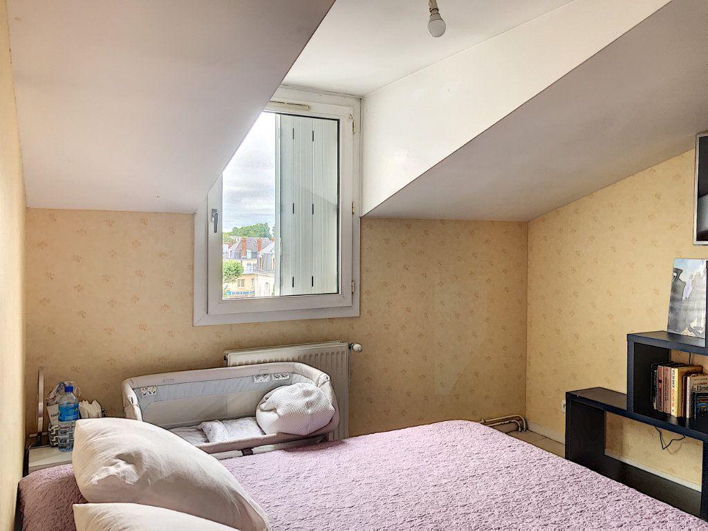 Appartement à louer 3 88m2 à Montargis vignette-5