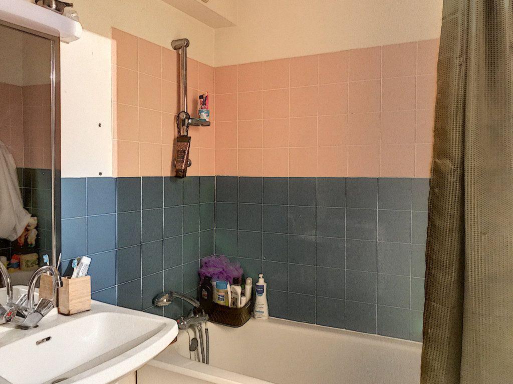 Appartement à louer 3 88m2 à Montargis vignette-6