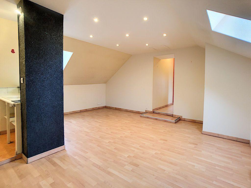Appartement à louer 2 40m2 à Corquilleroy vignette-1