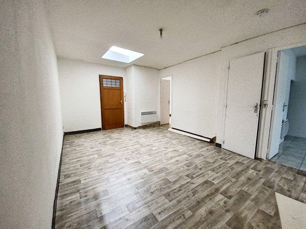 Appartement à louer 3 49.59m2 à Patay vignette-1