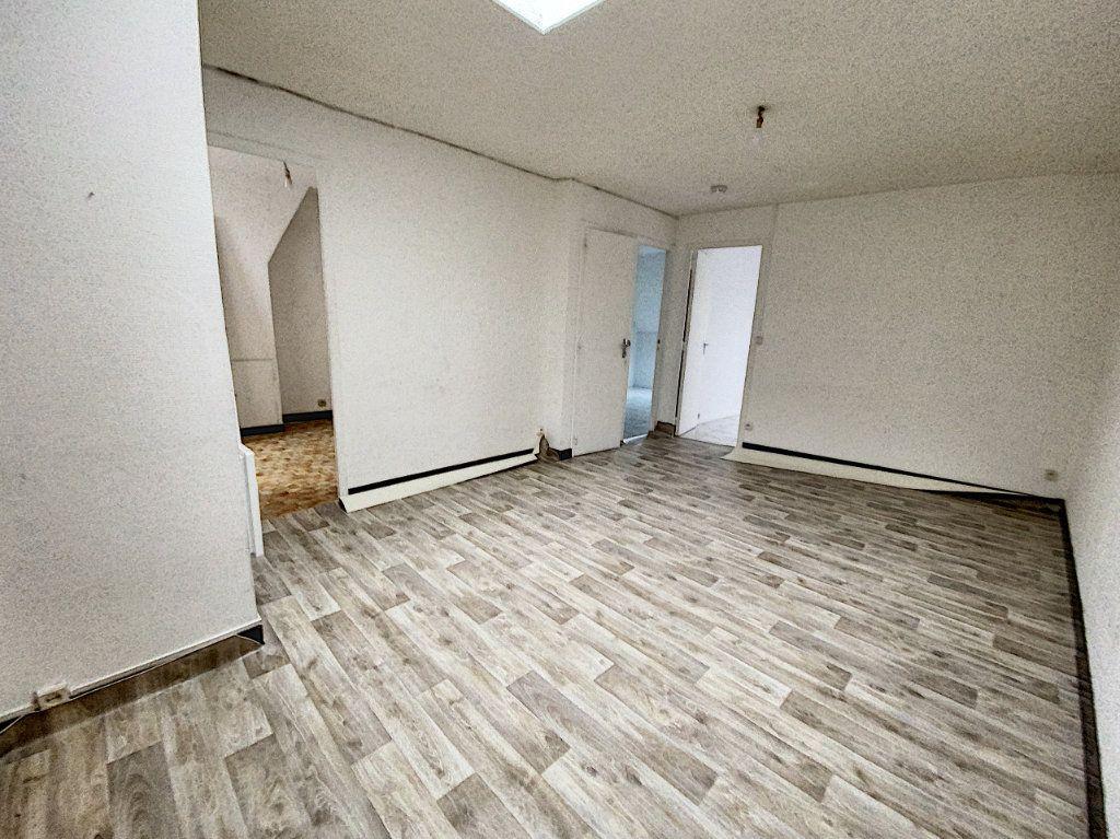 Appartement à louer 3 49.59m2 à Patay vignette-2