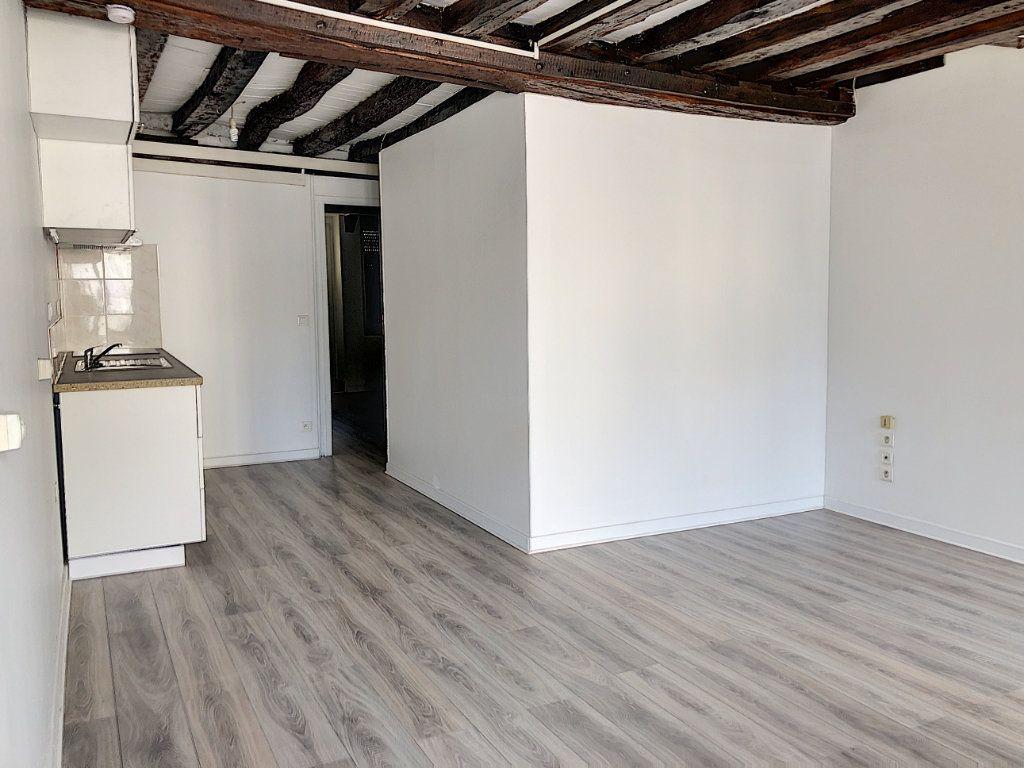 Appartement à louer 2 51.84m2 à Janville vignette-2