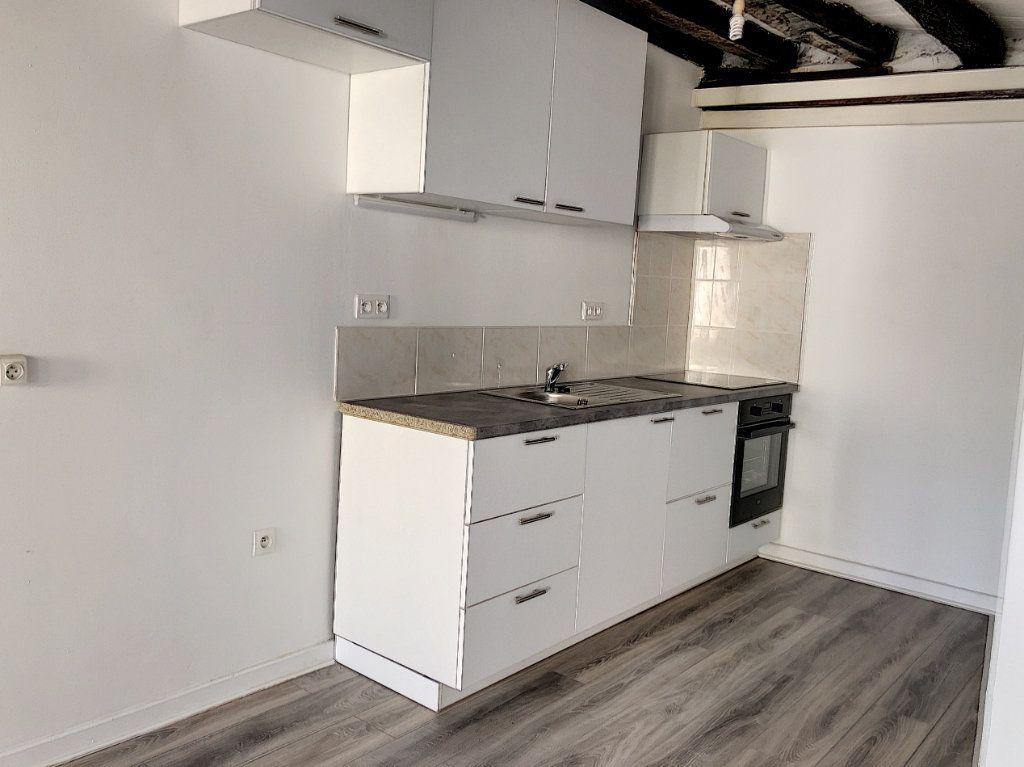 Appartement à louer 2 51.84m2 à Janville vignette-3