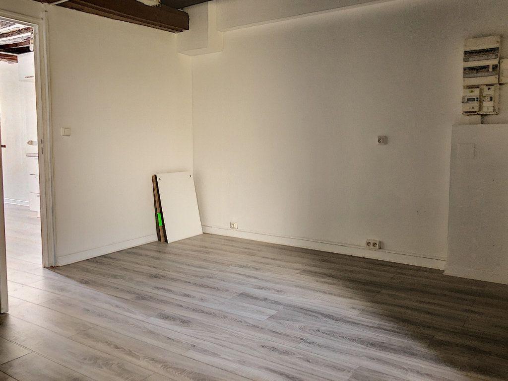 Appartement à louer 2 51.84m2 à Janville vignette-5