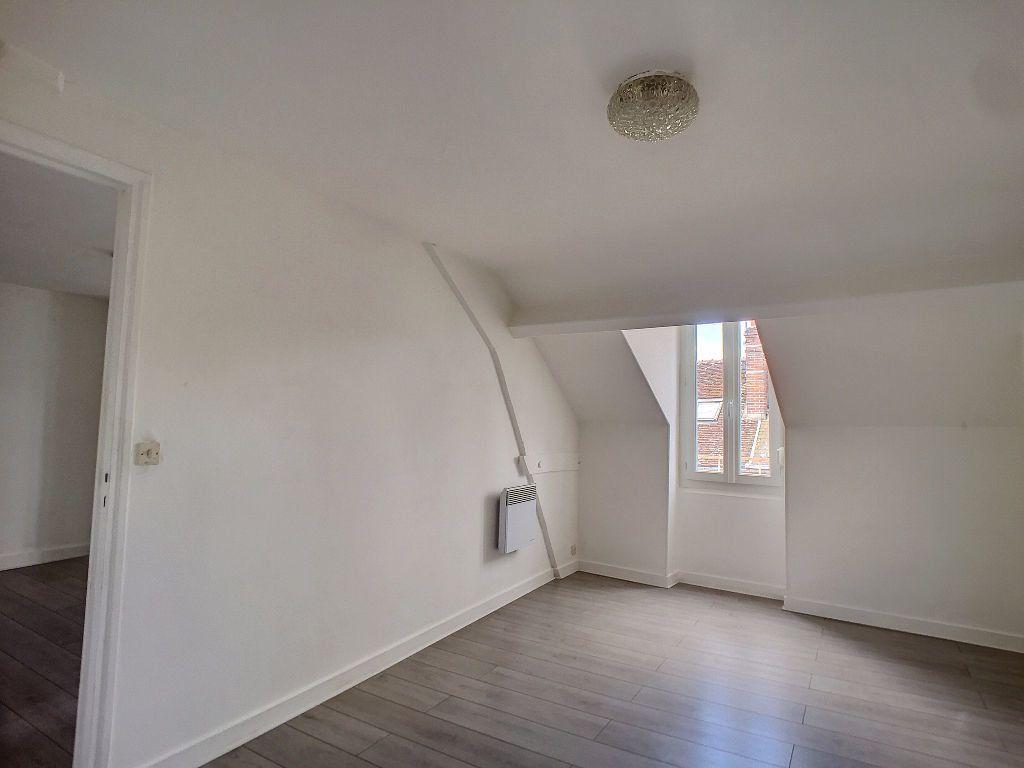 Appartement à louer 2 36.72m2 à Montargis vignette-2