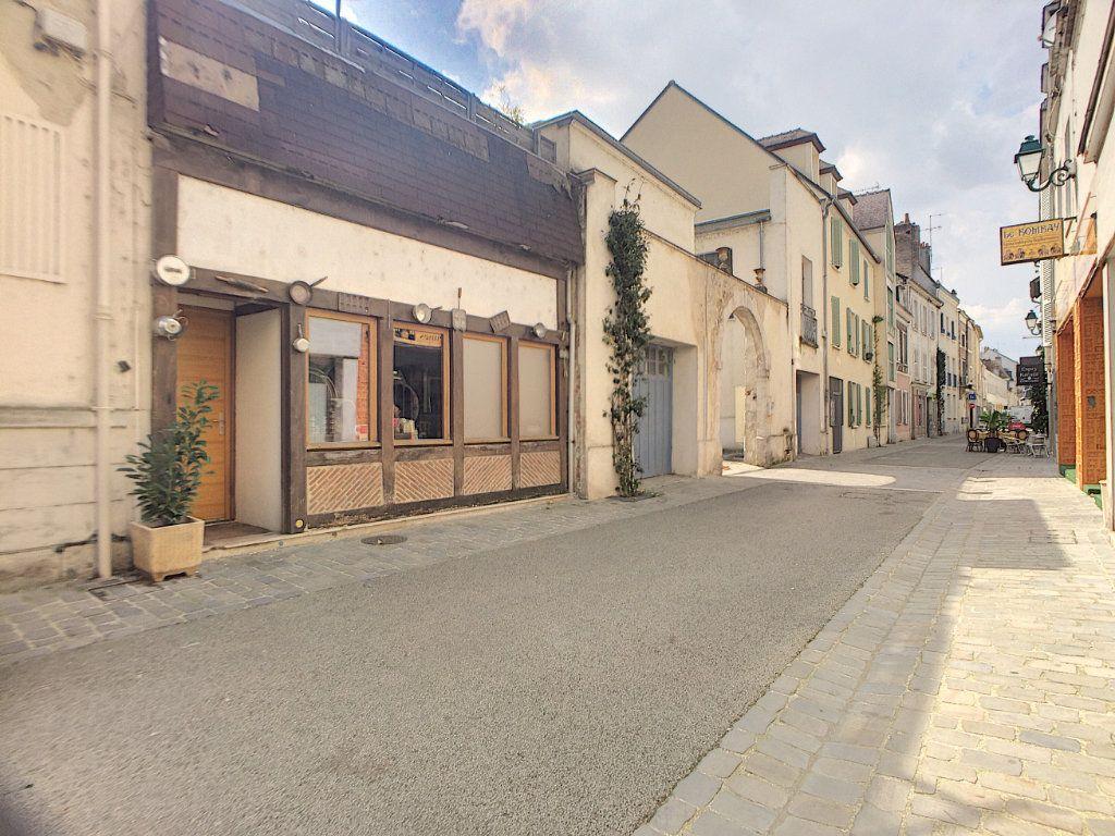 Maison à vendre 6 180m2 à Montargis vignette-1