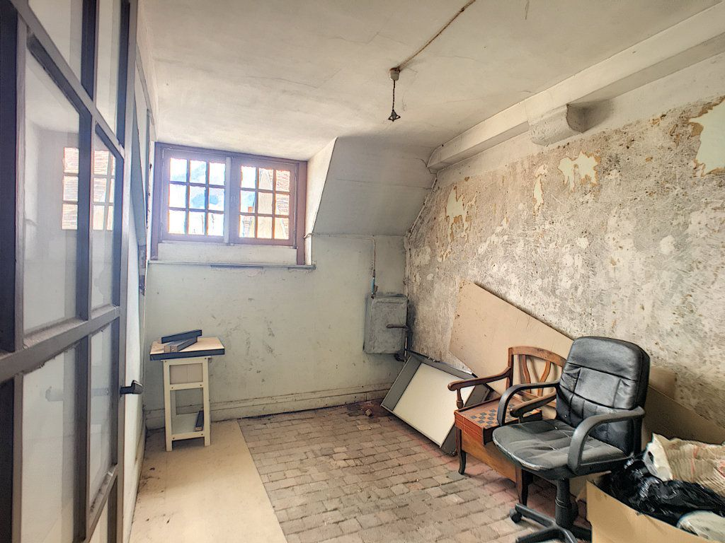 Maison à vendre 6 180m2 à Montargis vignette-17