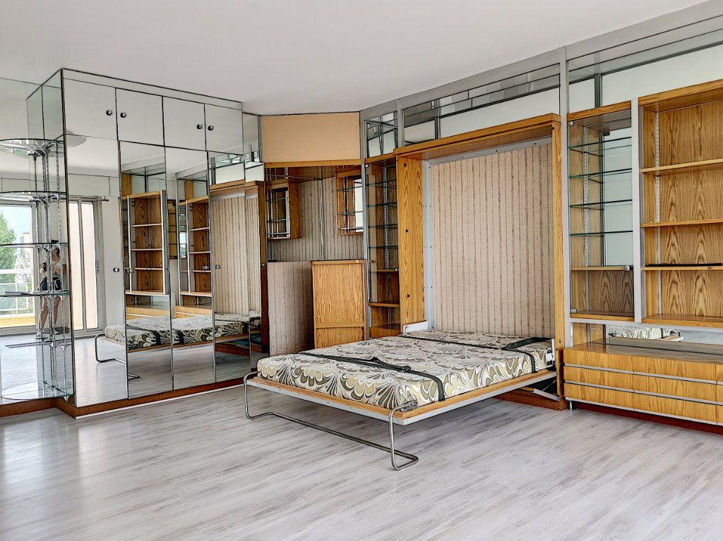 Appartement à louer 1 41m2 à Montargis vignette-1