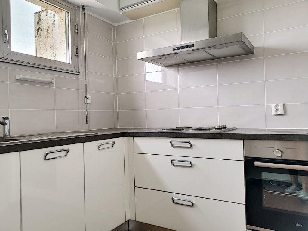 Appartement à louer 1 41m2 à Montargis vignette-2