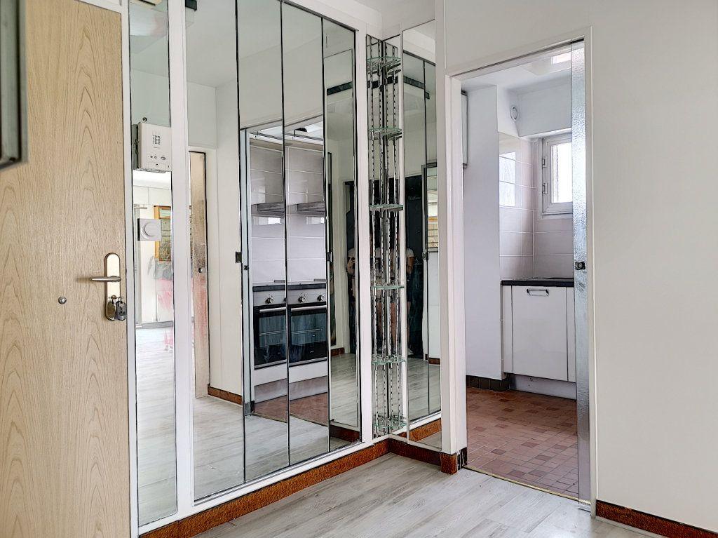Appartement à louer 1 41m2 à Montargis vignette-3