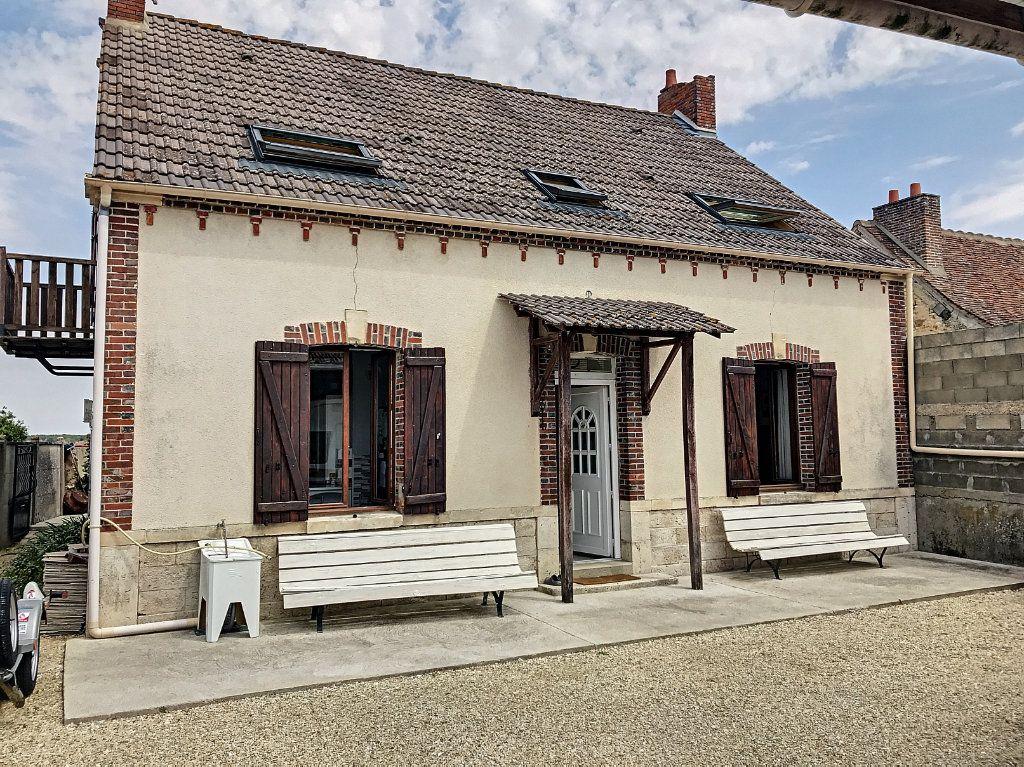 Maison à vendre 6 135m2 à Saint-Hilaire-sur-Puiseaux vignette-1