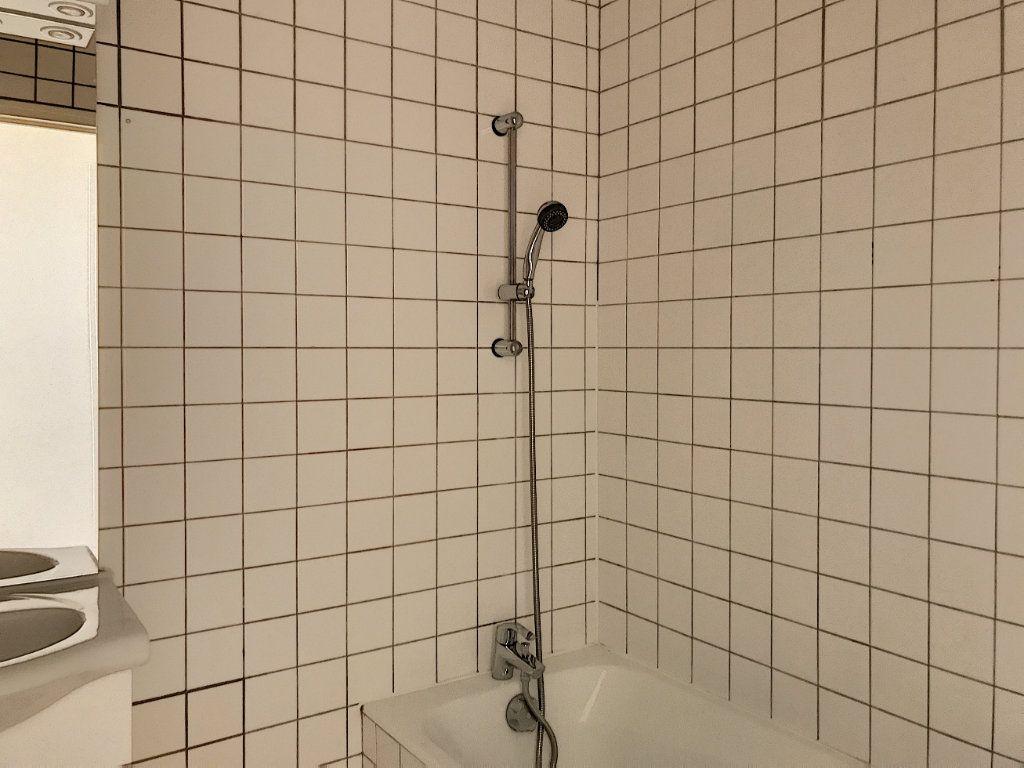 Appartement à louer 3 49.25m2 à Montargis vignette-5