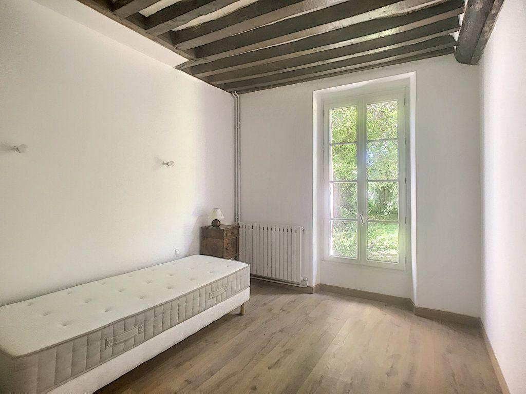 Maison à louer 6 130m2 à Montcresson vignette-5