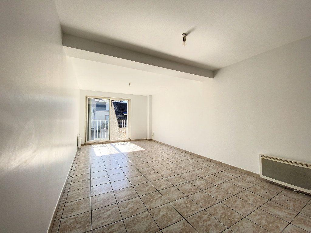 Appartement à louer 3 66m2 à Montargis vignette-2