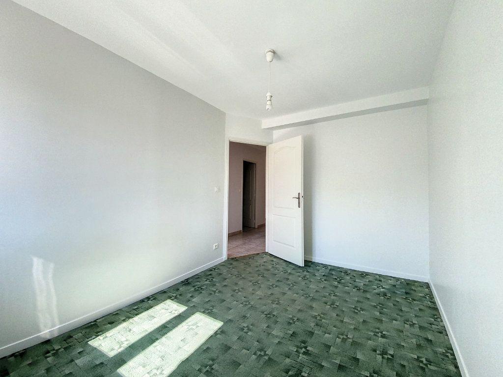 Appartement à louer 3 66m2 à Montargis vignette-6