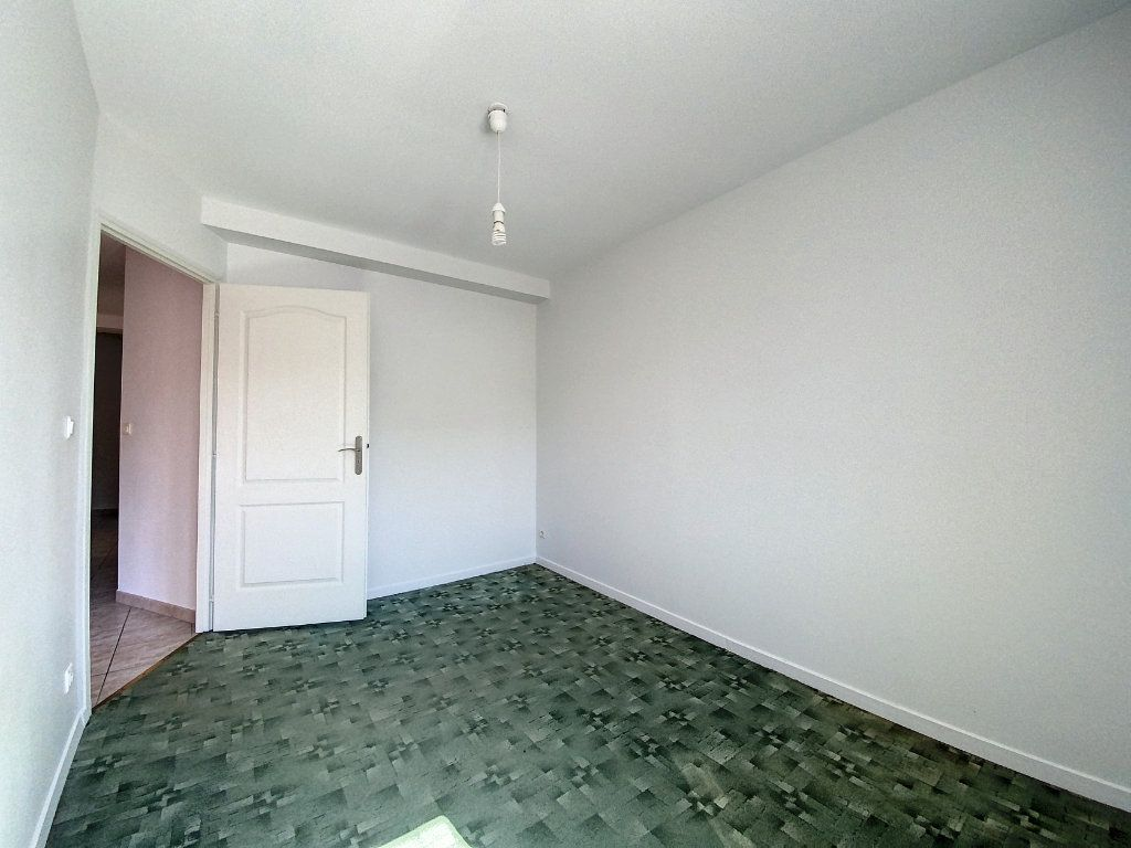 Appartement à louer 3 66m2 à Montargis vignette-7