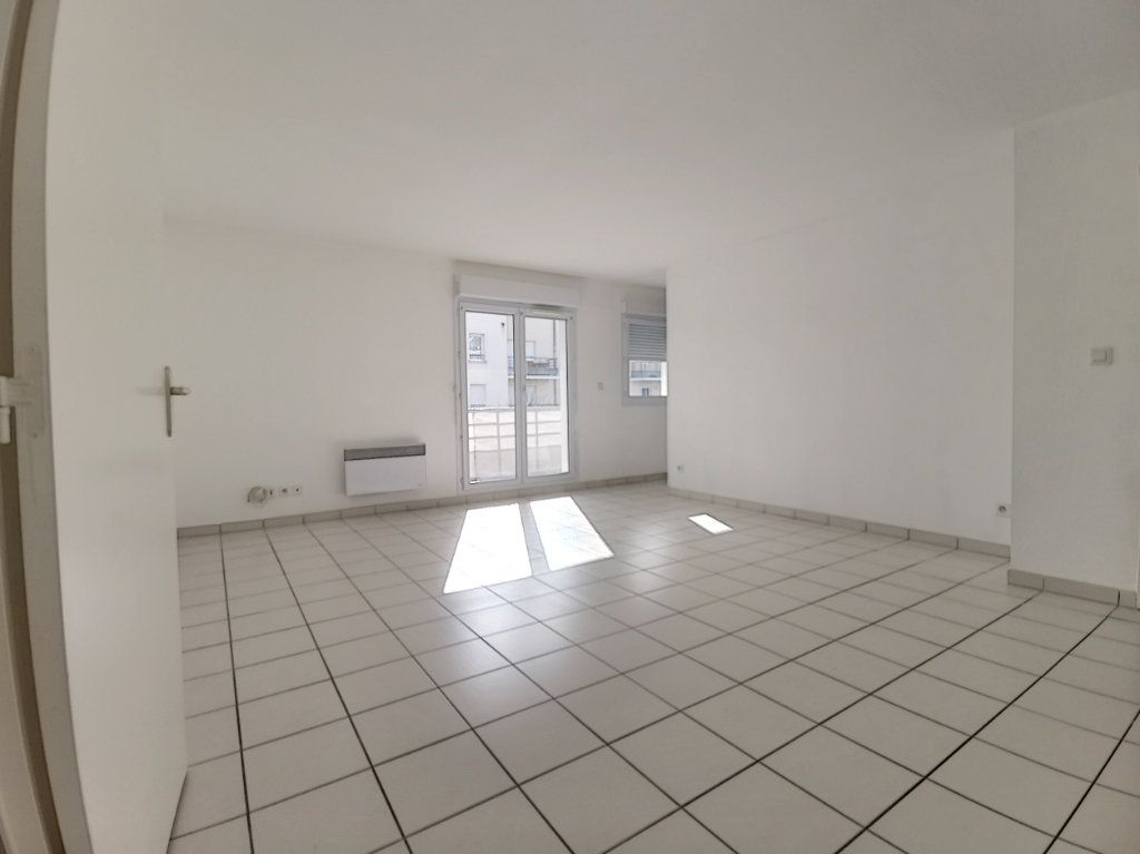 Appartement à louer 2 49.73m2 à Montargis vignette-3