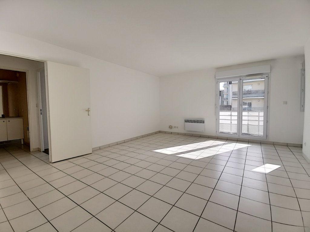 Appartement à louer 2 49.73m2 à Montargis vignette-4