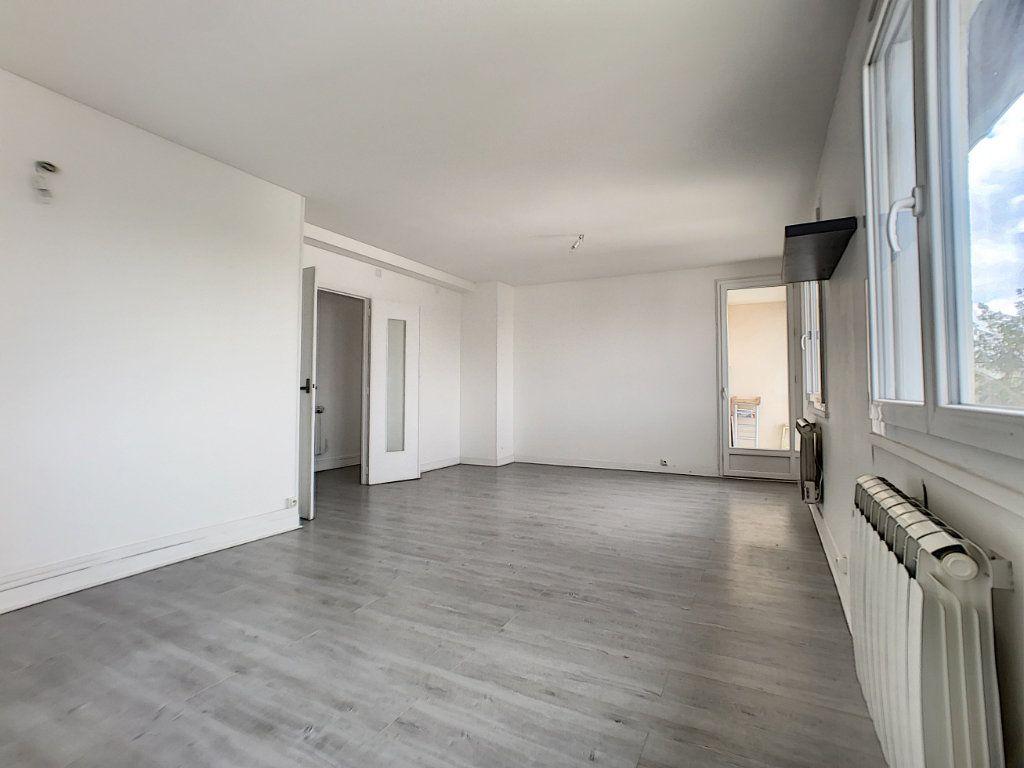 Appartement à vendre 4 70m2 à Châlette-sur-Loing vignette-1