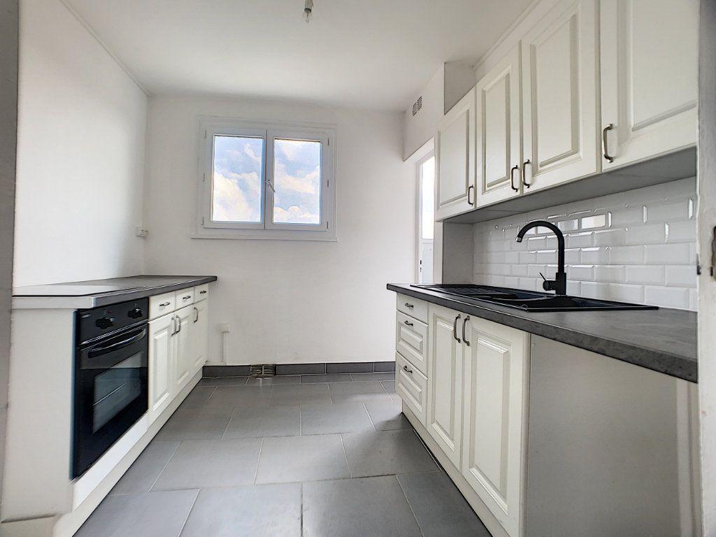 Appartement à vendre 4 70m2 à Châlette-sur-Loing vignette-3