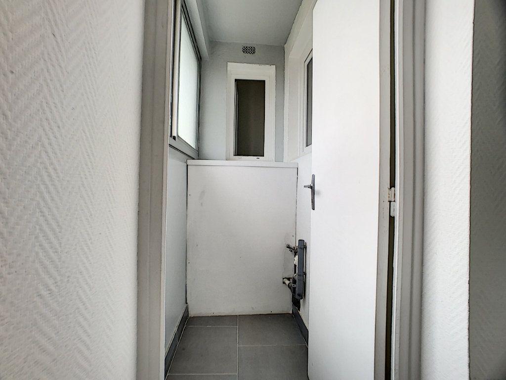 Appartement à vendre 4 70m2 à Châlette-sur-Loing vignette-4