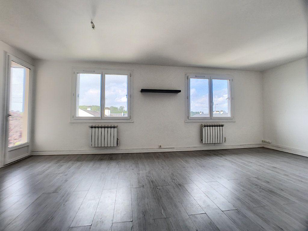 Appartement à vendre 4 70m2 à Châlette-sur-Loing vignette-6