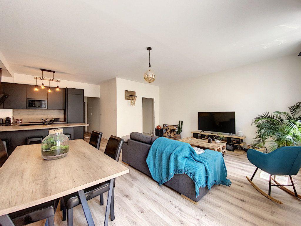 Appartement à louer 2 65.67m2 à Montargis vignette-4