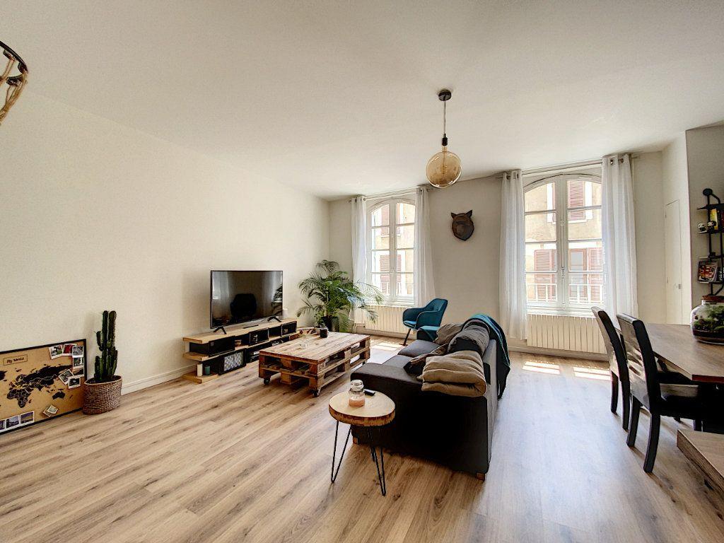 Appartement à louer 2 65.67m2 à Montargis vignette-5