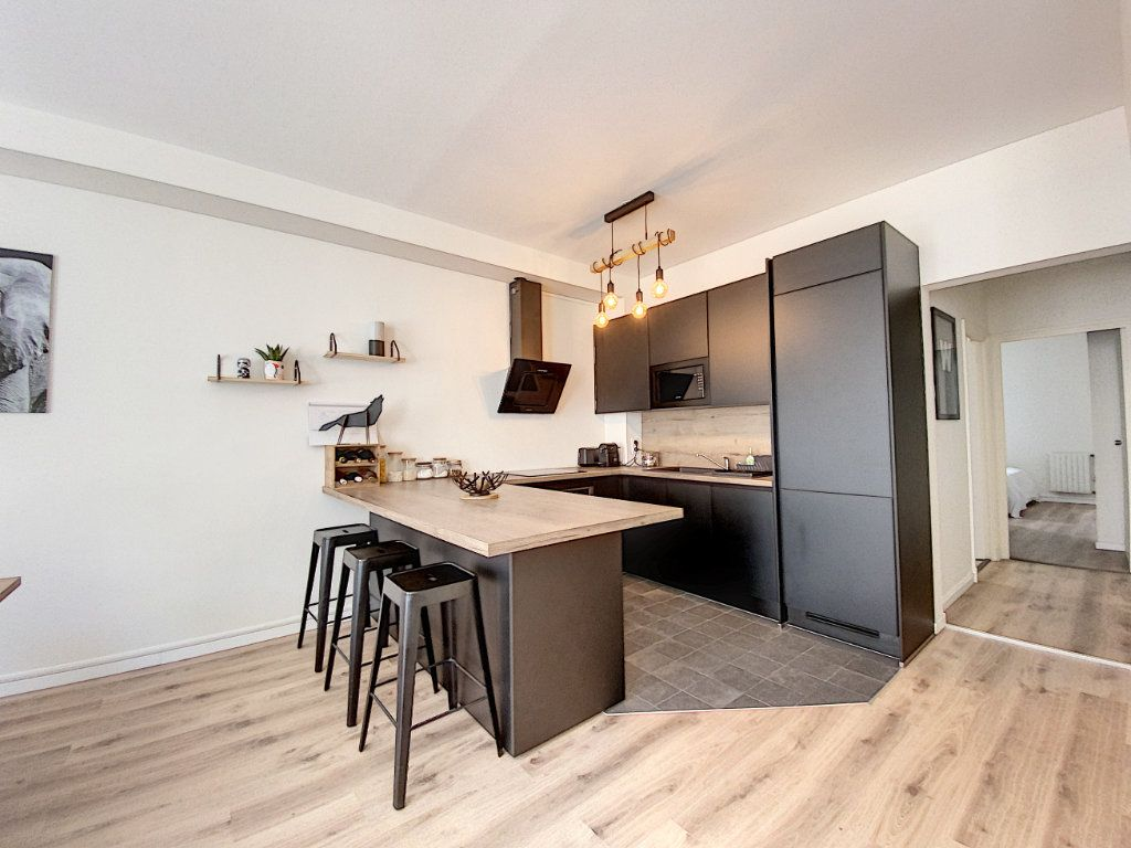 Appartement à louer 2 65.67m2 à Montargis vignette-6
