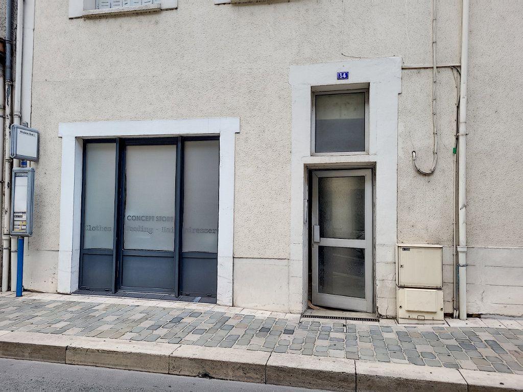 Appartement à louer 2 42.9m2 à Montargis vignette-2