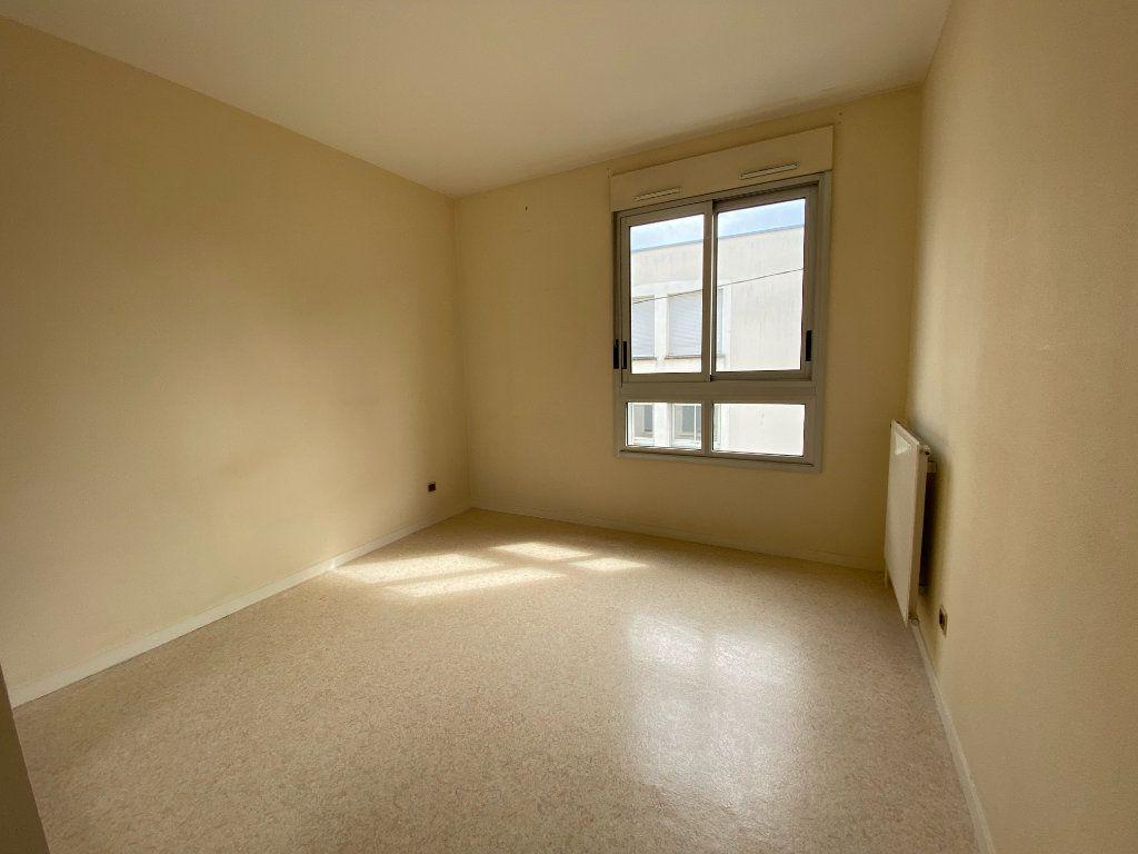 Appartement à louer 3 66m2 à Montargis vignette-3