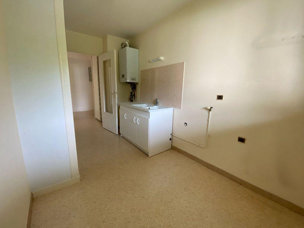 Appartement à louer 3 66m2 à Montargis vignette-4