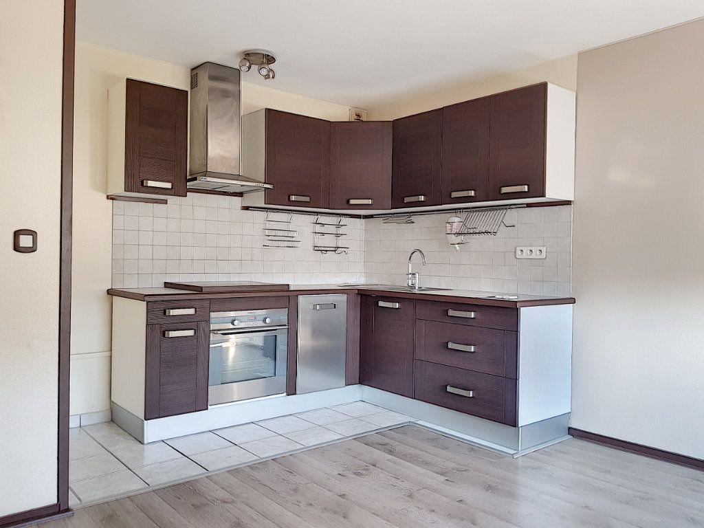 Appartement à louer 2 39m2 à Villemandeur vignette-1