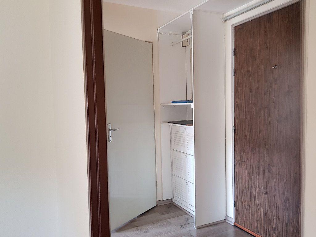 Appartement à louer 2 39m2 à Villemandeur vignette-2